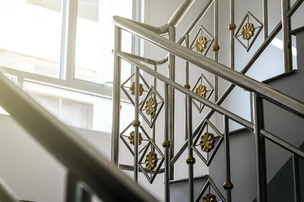 Treppen, Balkone, Geländer